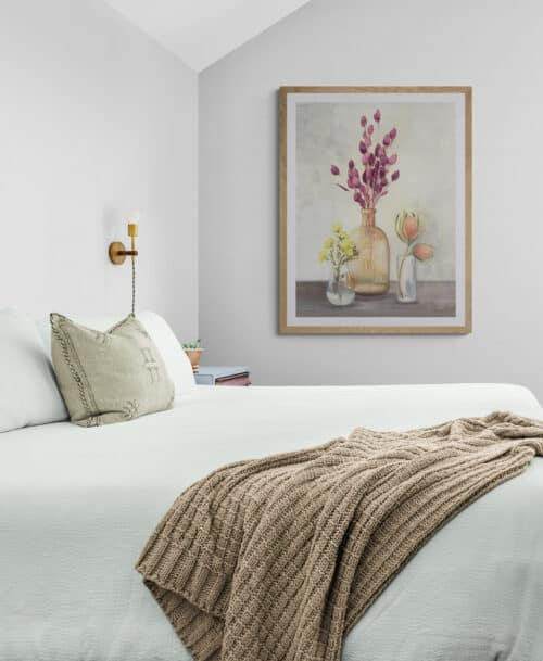 Comfy bedroom with a garden view 5