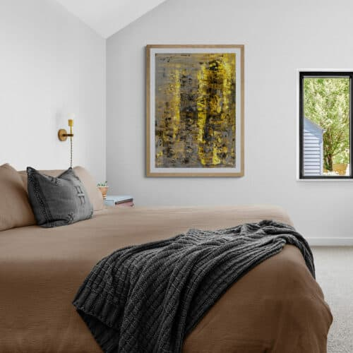 Comfy bedroom with a garden view 6